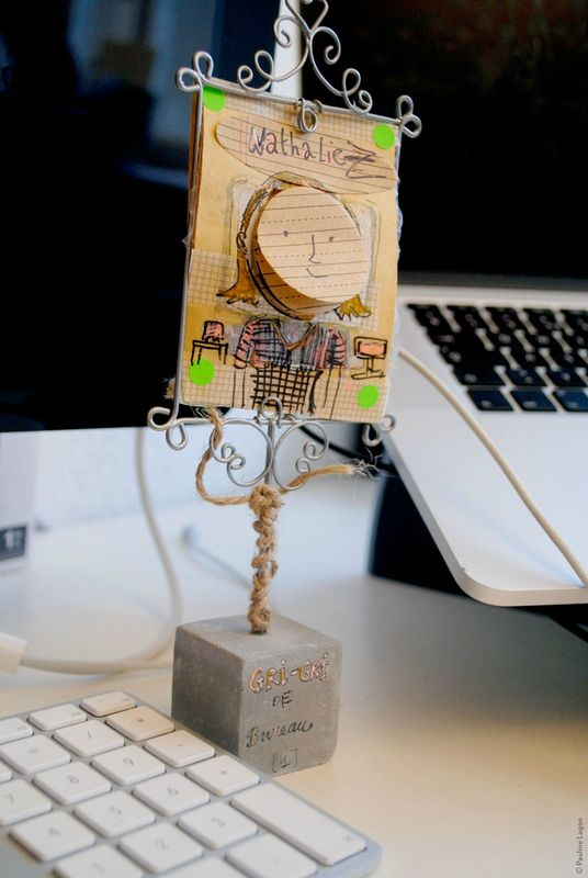 Création d'hier, le gri-gri de bureau, post-it intégré