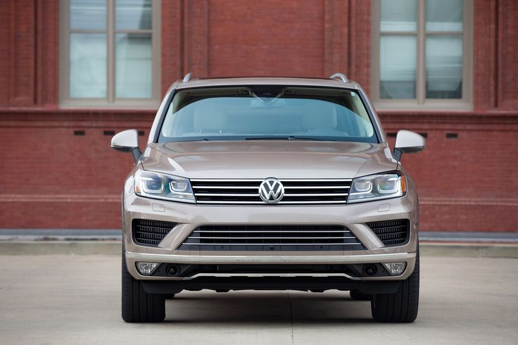 2016 Touareg Trims and Specs | Luther Brookdale Volkswagen | New Volkswagen dealership in Brooklyn Center, MN 55429. The 2016 Volkswagen Touareg combines luxury utility for a new kind of SUV that fits real lifestyles. As Volkswagen's largest SUV, the 2016 Touareg for sale in St. Paul offers drivers a powerful V6 engine and plenty of interior and cargo space. Minnesota Volkswagen dealership. VW dealer near Minneapolis. VW for sale MN.