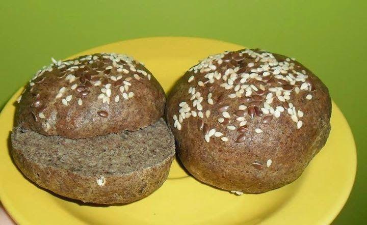 Lenmaglisztes zsemle (paleo)  2 tojás 1 csipet só (Himalaya só ITT!) 1 csipet xilit (xilit ITT!) (aki nem fél 1 csipet cukortól az tegyen bele azt) 1 kk. sütőpor (sütőpor ITT!) 2 evőkanál zsírtalanított lenmagliszt (zsírtalanított lenmagliszt ITT!) 1 teáskanál útifűmaghéj (útifűmaghéj ITT!)