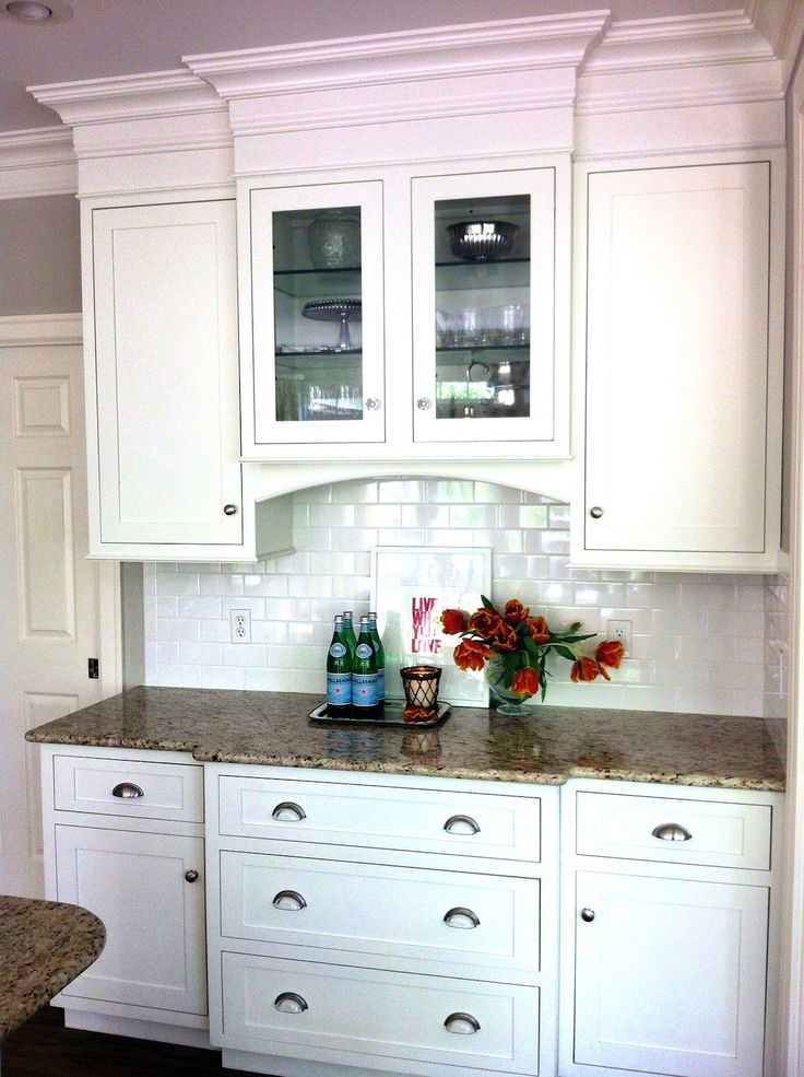 Built in dining room buffet decor and the dog april for Built in dining room cabinet designs