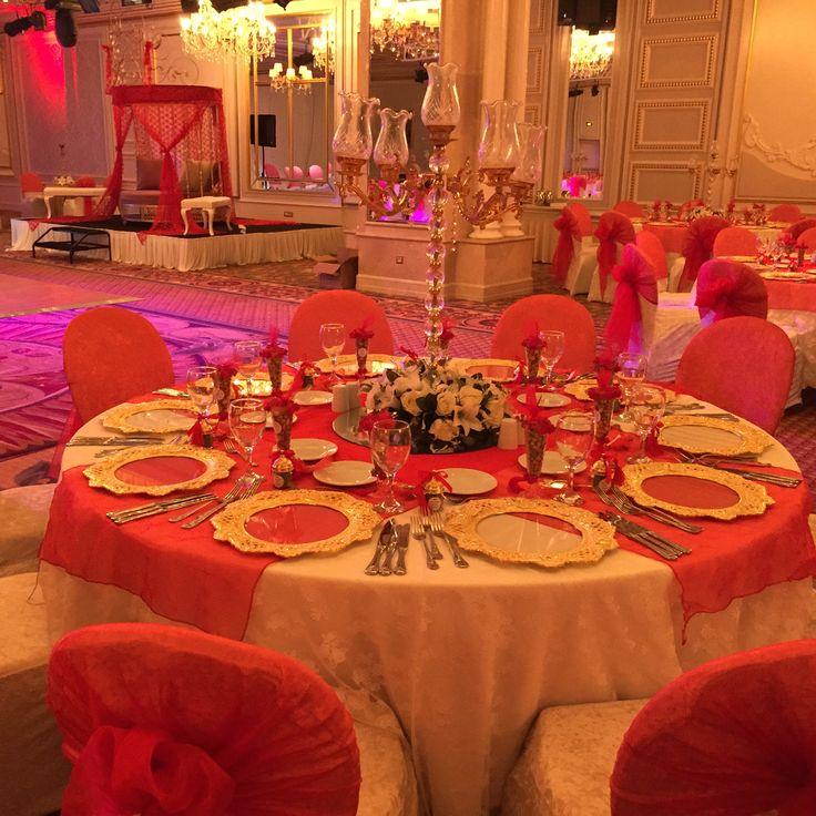 Kına gecesi süslemesi. Kına Organizasyonu. Kına süsleme, kına kafesi, masa ve sandalye süsleme. Kına gecesi için masa sandalye dekorasyonu.