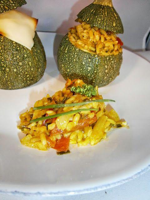 Délices d'une novice: Courgettes rondes farcies au riz, tomate et curry