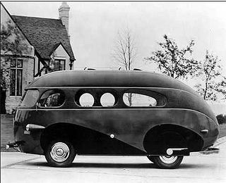 Love the curvy streamline look of the 1930's    1938 Brooks Stevens Western Clipper