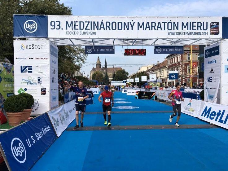 """Am 2. Oktober hat ein Team bestehend aus Angestellten der CTR group und ihren Kollegen von VSH Development am """"Medzinárodný maratón mieru"""" in Košice teilgenommen. 6 Staffel-Teams welche unser Projekt Rezidencia pri radnici repräsentierten nahmen am Wettbewerb teil, wobei das beste Team die Marathonstrecke in der ausgezeichneten Zeit von 4:07:51 bewältigt hat. Die Vorbereitung auf das anspruchsvolle Sportevent verlief in einer netten und stilvollen Kneipe in Košices Zentrum."""