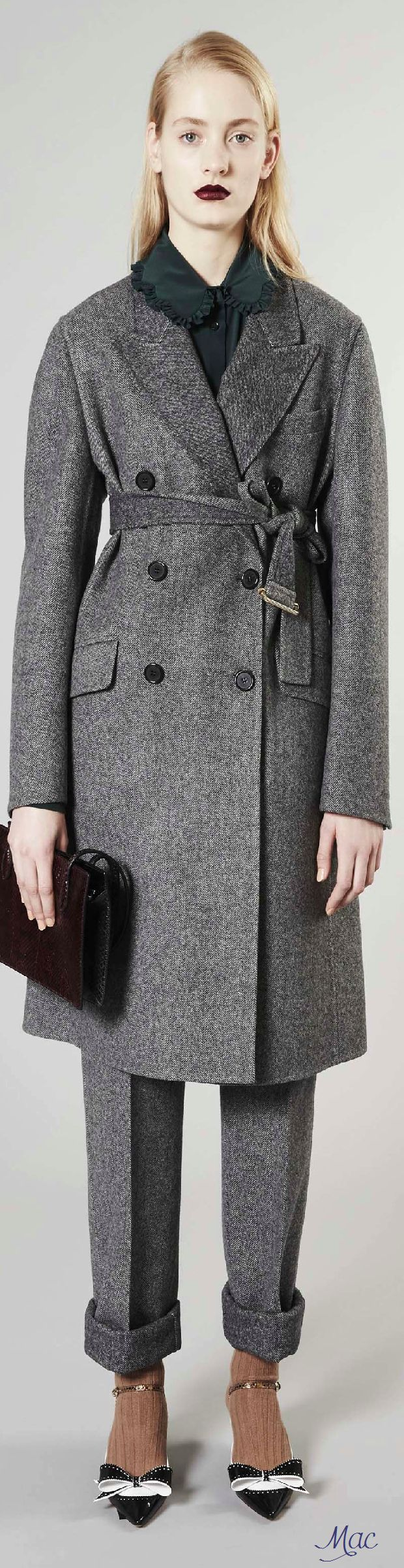 Pre Fall 2016 Rochas Gray Coat Women Fashion Outfit Clothing Style Apparel Roressclothes