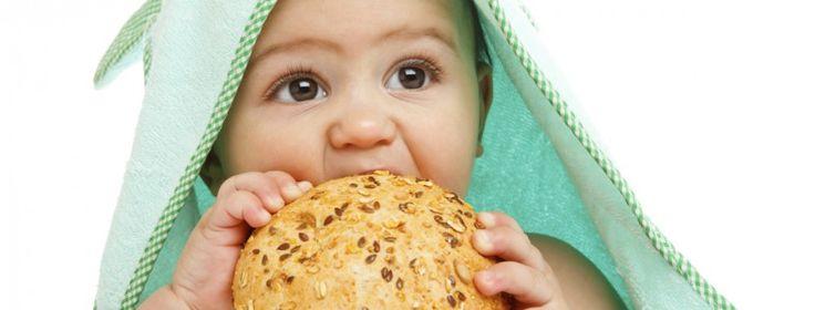 """Gluten till spädbarn dubblar risken för celiaki!  Att ge spädbarn på upp till 2 år gluten, fördubblar risken för celiaki, enligt en studie publicerad i Clinical Gastroenterology and Hepatology, American Gastroenterological Associations officiella vetenskapliga tidskrift. """"Glutenintagets roll hos spädbarn och risken att senare utveckla celiaki, har länge debatterats,"""" säger studiens huvudförfattare Carin Andrén Aronsson, MSc, projektkoordinator och enhetschef vid Enheten för diabetes och…"""