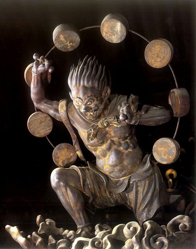 The famous statues of Raijin in Sanjūsangen-dō (三十三間堂) is a Buddhist temple in Higashiyama District of Kyoto, Japan.