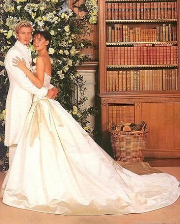 Victoria Beckham in Vera Wang marries David Beckham