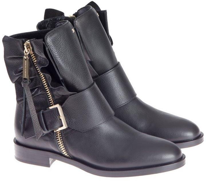 Elisabetta Franchi Suede Boots Black  Pentru mai multe detalii vizitati pagina produsului. #euforiamall     http://ift.tt/2G5mzQP