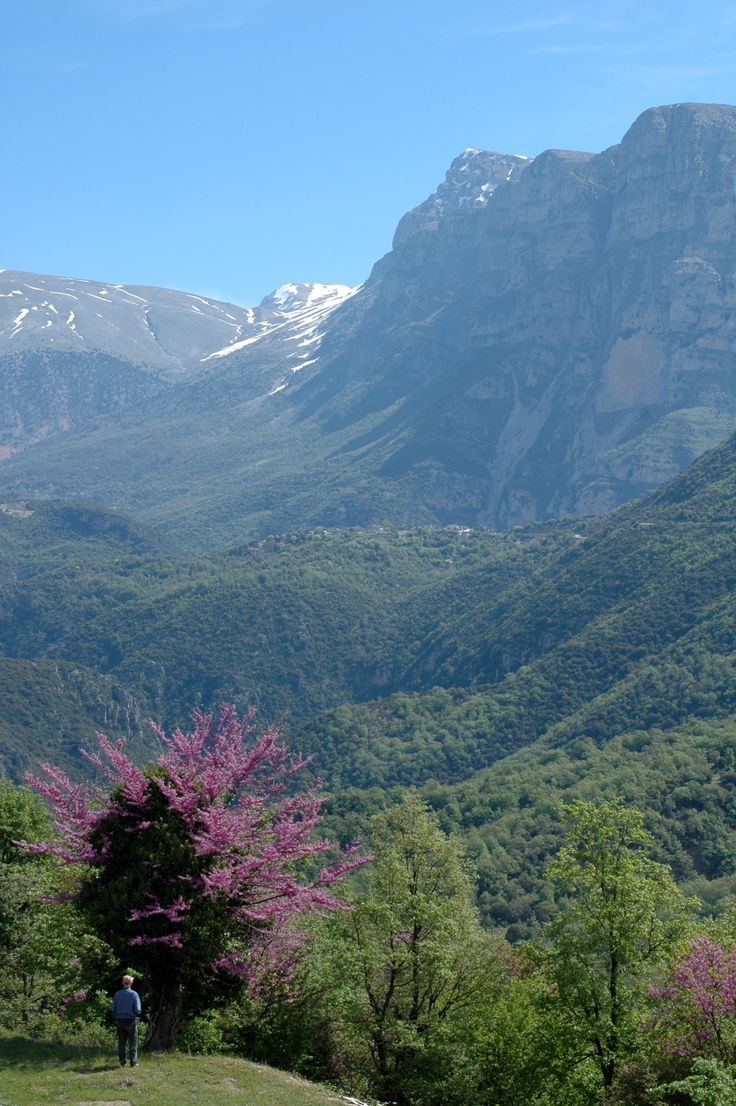 Stunning scenery in the Vikos-Aoös National Park