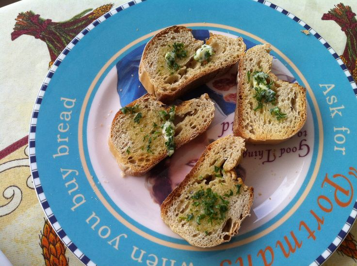 Getoast brood met lookboter.