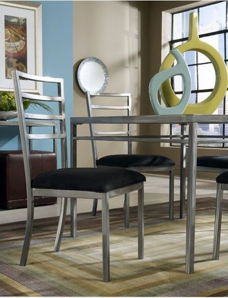 The Sydney Dining Room is a classy combination of modern metal touches and eclectic vibes! || furniture.cort.com