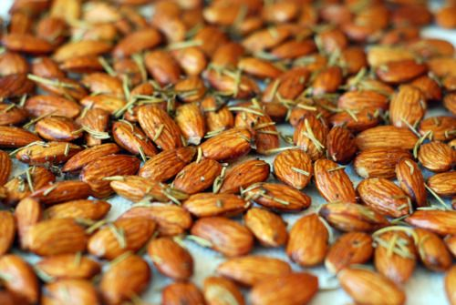 Roasted Rosemary Almonds:  •2 cups skin-on whole raw almonds   •2 tablespoons dried rosemary   •2 teaspoons Kosher salt   •1/4 teaspoon freshly-ground pepper   •1 tablespoon butter