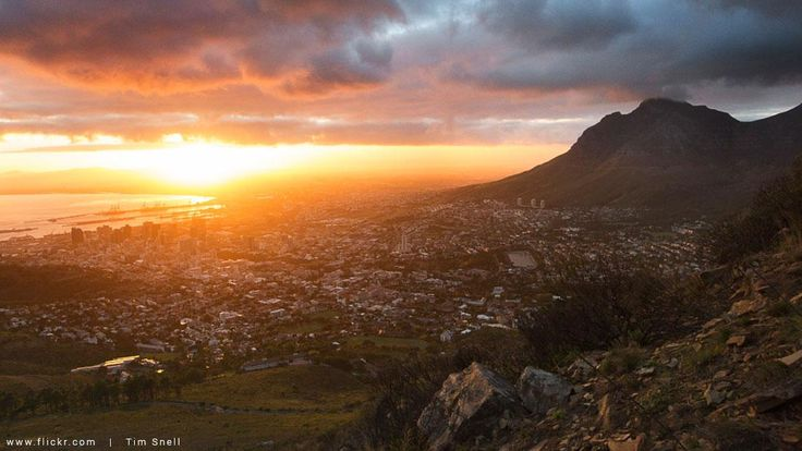 It's the month of love - and there are plenty of reasons to fall in love with Cape Town. Capetonian insiders share their top 10 reasons to love the Mother City.