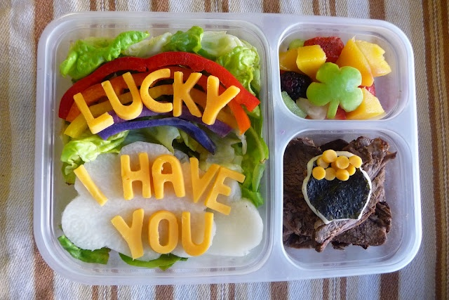 St. Patricks Day Bento Lunch with a message: Bento Lunches, Benefici Bento, Bento Boxes, Bento Food, Schools Lunches, Bento Lunchbox, Lunches Boxes, St. Patrick'S Day, Lunches Ideas