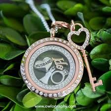 Schedule a personalized gift creating session today! amy.rehmeyer@gmail.com  #bridalgifts #personalized #customjewelry #origamiowl #o2 #dallasbridal #dallas #bridaljewelry #bridaljewellry #lockets #charms #charmbracelet #motherofbride #motherofgroom #bridesmaildsgifts #bridesmaids