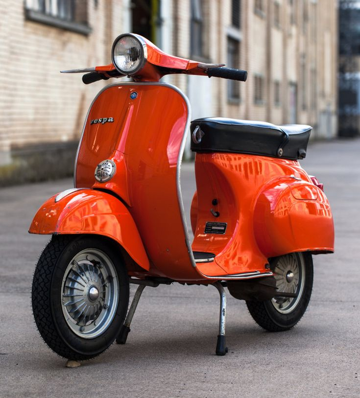 35 best vespa pts images on pinterest mopeds vespas and motor scooters. Black Bedroom Furniture Sets. Home Design Ideas