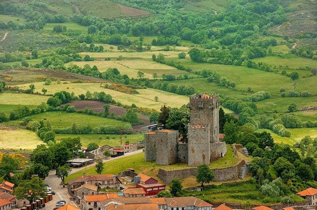 Os 10 mais bonitos castelos de Portugal - Castelo de Montalegre