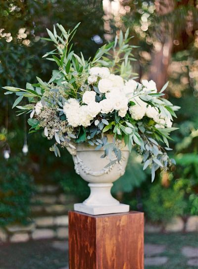 White wedding flowers: http://www.stylemepretty.com/2014/10/13/elegant-garden-wedding-at-a-montecito-estate/ | Photography: Elan Klein - http://elankleinphoto.com/