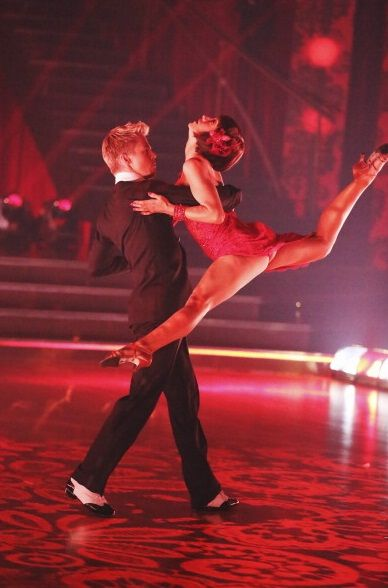 Derek Hough & Kellie Pickler  -  30-point Argentine Tango  -  Dancing With the Stars  -  season 16 champs  -  week 9 semi-finals  -  spring 2013  -  exquisite