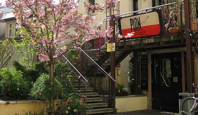 """Hostel Louise 20 The Hostel Louise 20 is part of the """"in-scene"""" and cultural district in Dresden and is located right above the well-known, trendy pub Planwirtschaft. Over 130 pubs, bars and restaurants can be found... #Hostel  #Travel #Backpackers #Accommodation #Budget"""