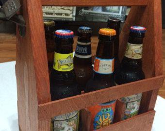 Fourre-tout de bière en bois rustique cadet de par IttybitsTrinkets