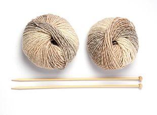 Vind je breien ontzettend leuk, maar wil het nog niet helemaal lukken? Probeer dan eens deze fijne ribbeltrui! Voor deze trui hoef je alleen maar recht te breien, een prima trui dus voor beginners! Doe het zelf - een fijne…