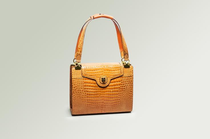 KATIA        Elegant bag, front closure  and double handle