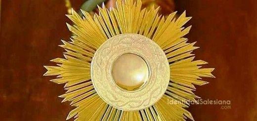 Alabado sea El Santísimo Sacramento del Altar