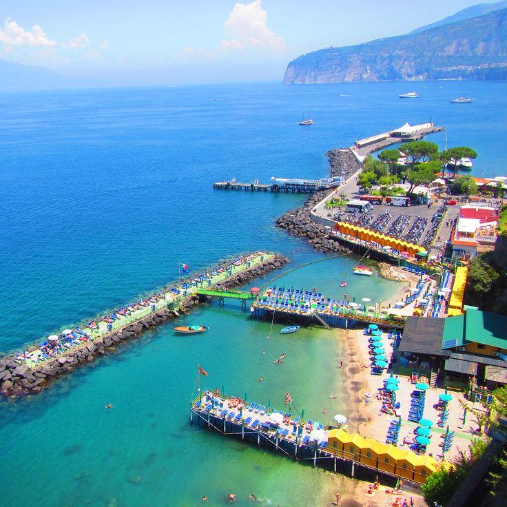 Sorrento, Amalfi Coast, Italy www.thegirlswhowander.com