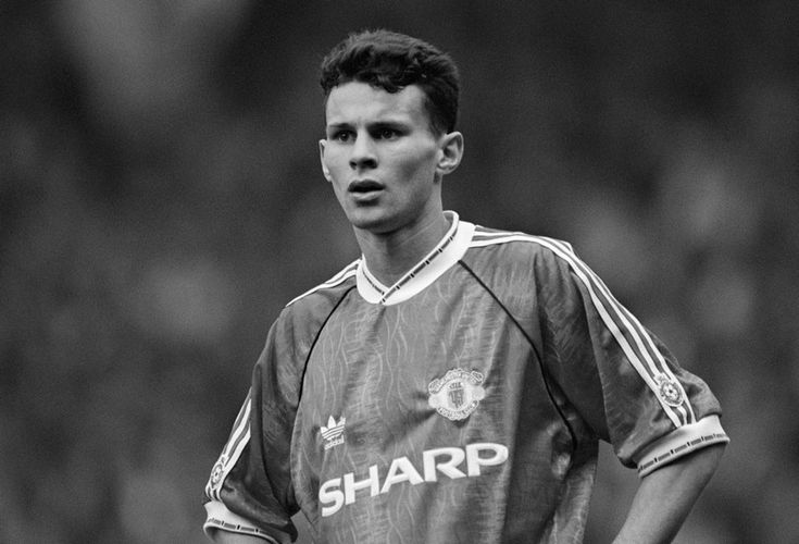 25 years since Giggs's debut | Ryan Giggs | Manchester United & Wales
