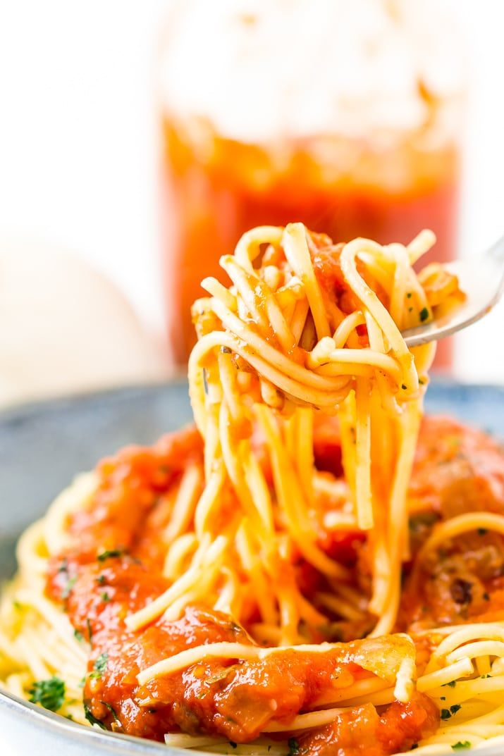 Pomodoro Sauce Is A Thick And Flavorful Italian Pasta Sauce Recipe Made With Tomatoes Onion Garlic Basi Red Sauce Pasta Recipe Eggplant Recipes Pasta Dishes