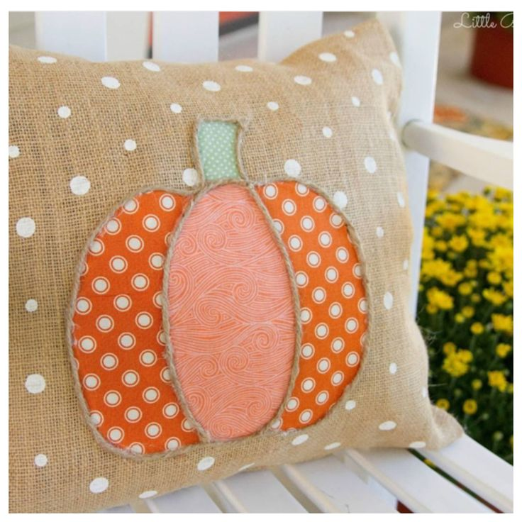 Holiday Craftacular – Halloween Home Tour Day 2