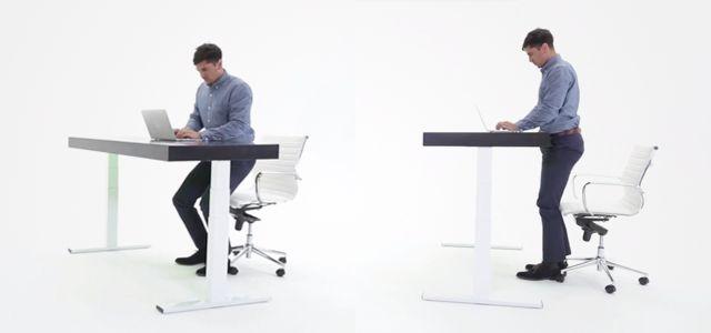 Secretária em movimento promove exercício físico do utilizador.