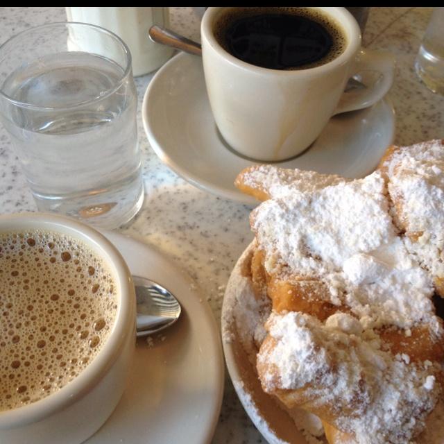 Cafe Du Monde nommm