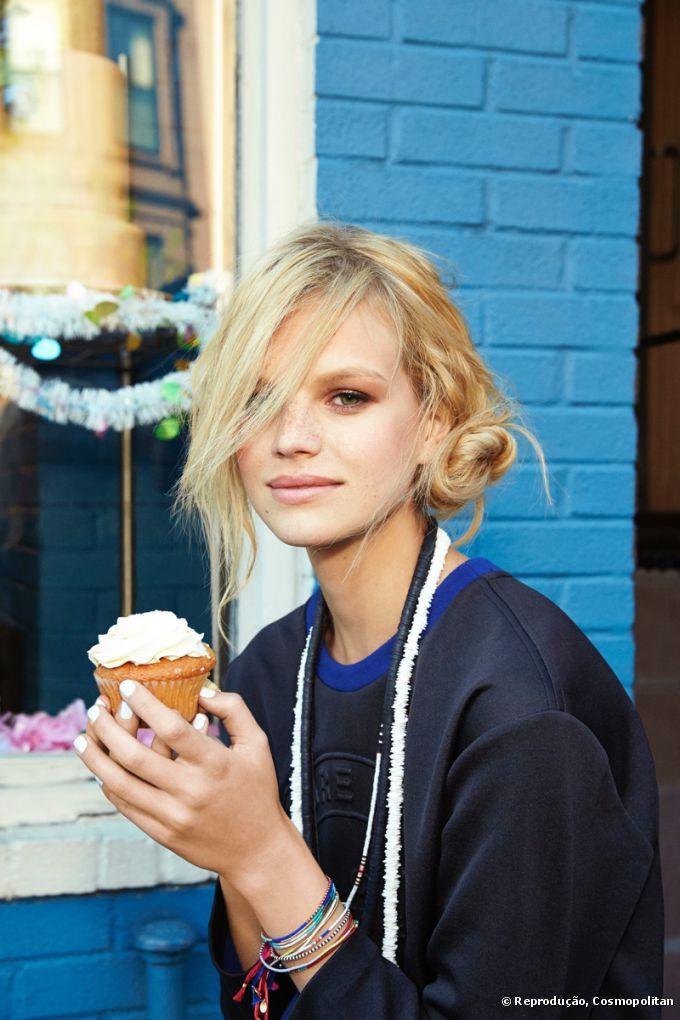 Penteados urbanos: Cosmopolitan mostra ideias simples e charmosas para o dia a dia