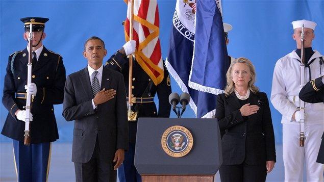 Sept 14,2012 Barack Obama et Hillary Clinton rendent hommage aux victimes de l'attaque du Consulat américain à Benghazi en Libye.