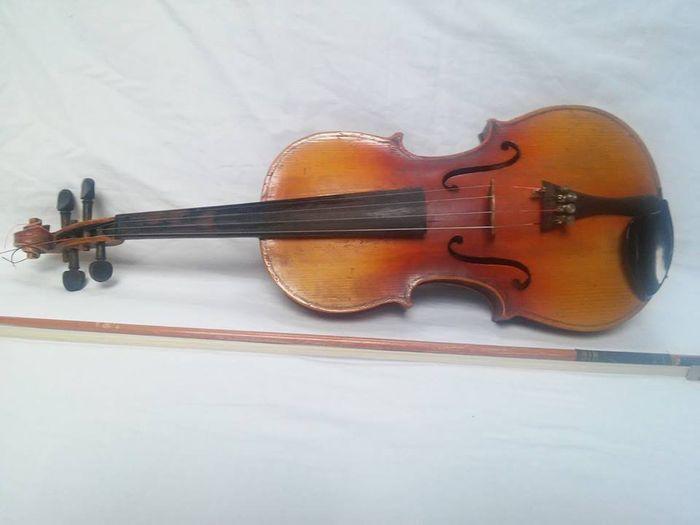 """Catawiki online auction house: Violin, copy of Antonius Stradivarius Cremonensis """"anno 1727"""""""