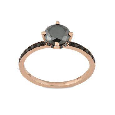 Μονόπετρο δαχτυλίδι Κ18 από ροζ χρυσό με κεντρικό μαύρο διαμάντι και σειρέ μαύρα διαμάντια στη γάμπα του δαχτυλιδιού | Μονόπετρα ΤΣΑΛΔΑΡΗΣ στο Χαλάνδρι #μονοπετρο #μαυρο #διαμαντι