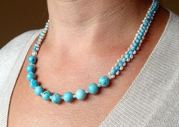 Collier en Turquoise et perles d'eau douce blanches