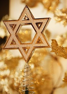 Interfaith Holiday Decor on Pinterest | Hanukkah Tree Topper ...