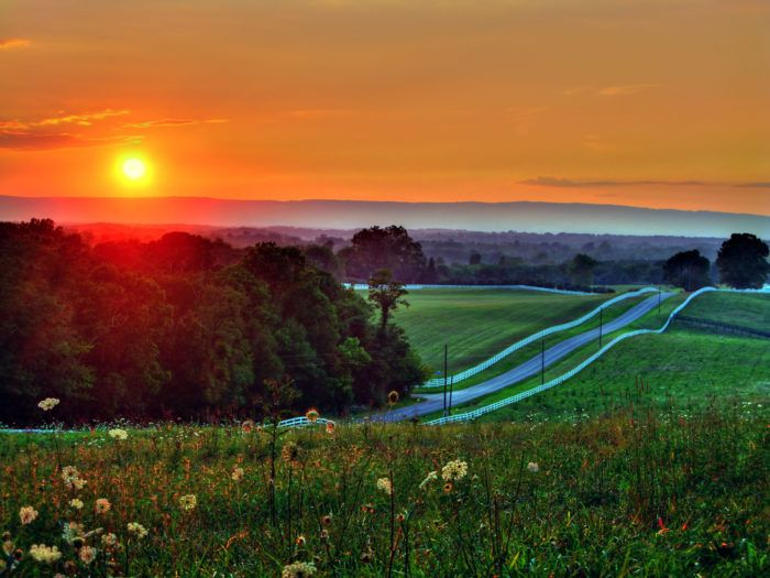 This Might Be The Most Breathtaking Drive In All in Virginia. Blue Ridge Parkway & Skyline Drive.....Waynesboro, Virginia