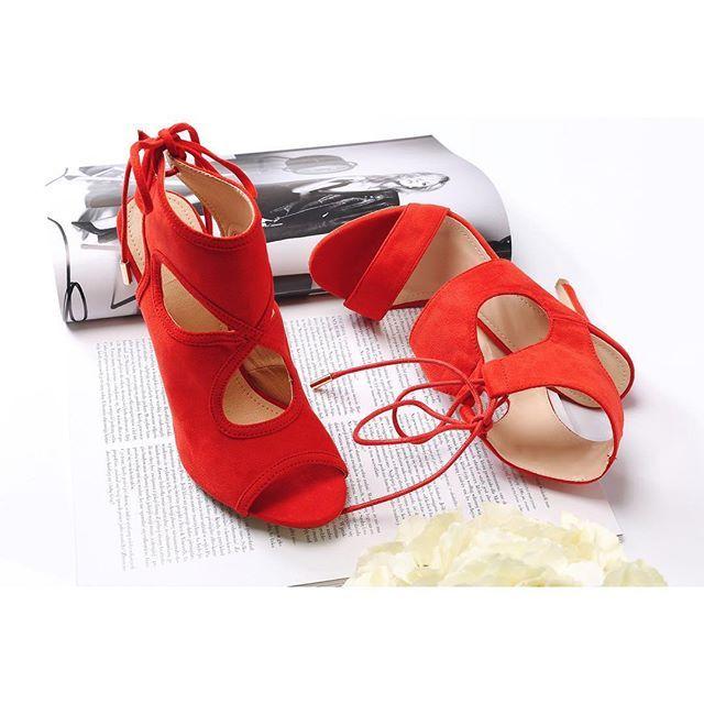 Nowe czerwone sandałki ❤️❤️❤️ co Wy na to dziewczyny?  #VICES #vicesshoes #summer #sandały #sandals #heels #instapic #instagirl #itscoming #newcollection