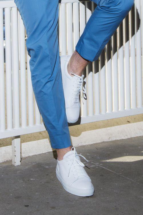 pants / Acne Studiossneakers / National Standard