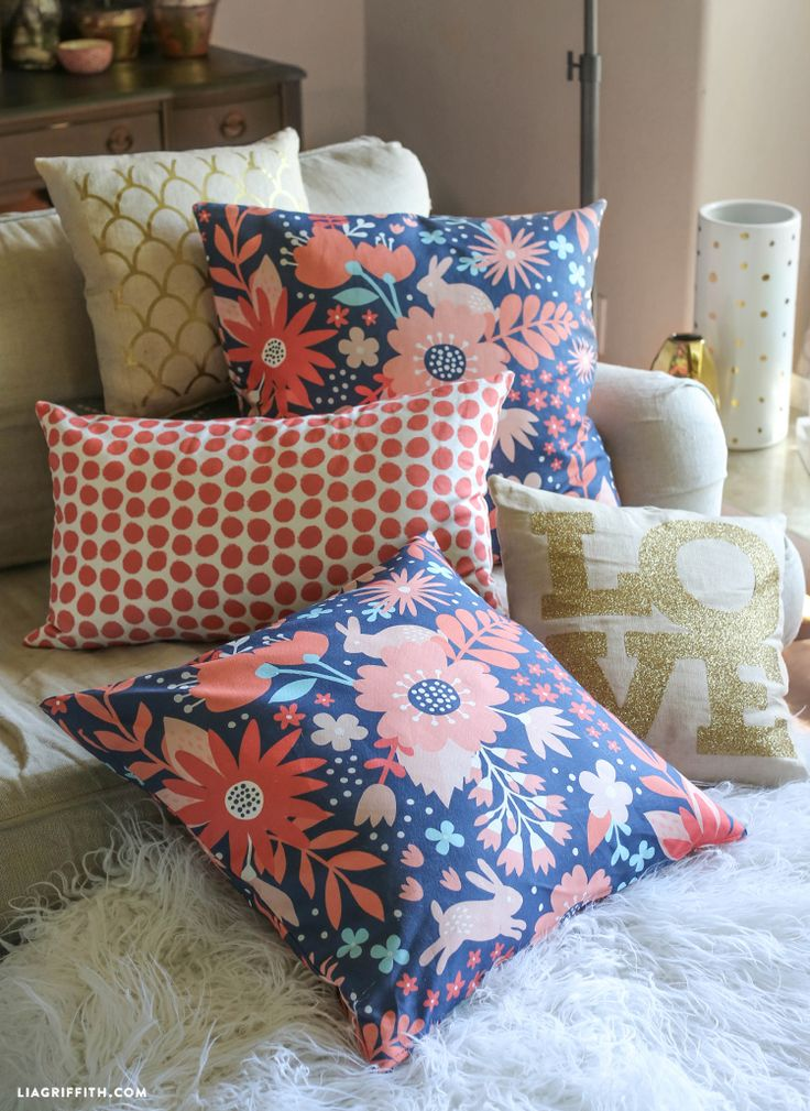 #video #tutorial #sewing #pillow #decor #homedecor #DIY #fabric #craft at www.LiaGriffith.com