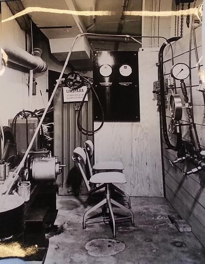 The maneouveringroom used during the first successful production of synthetic diamonds.