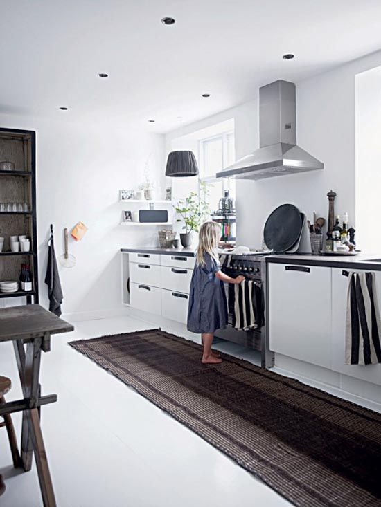 Kitchen: White Houses, Interiors Design, Modern Industrial, Rugs, Homes, Kitchens Cupboards, White Interiors, Houses Tours, White Kitchens