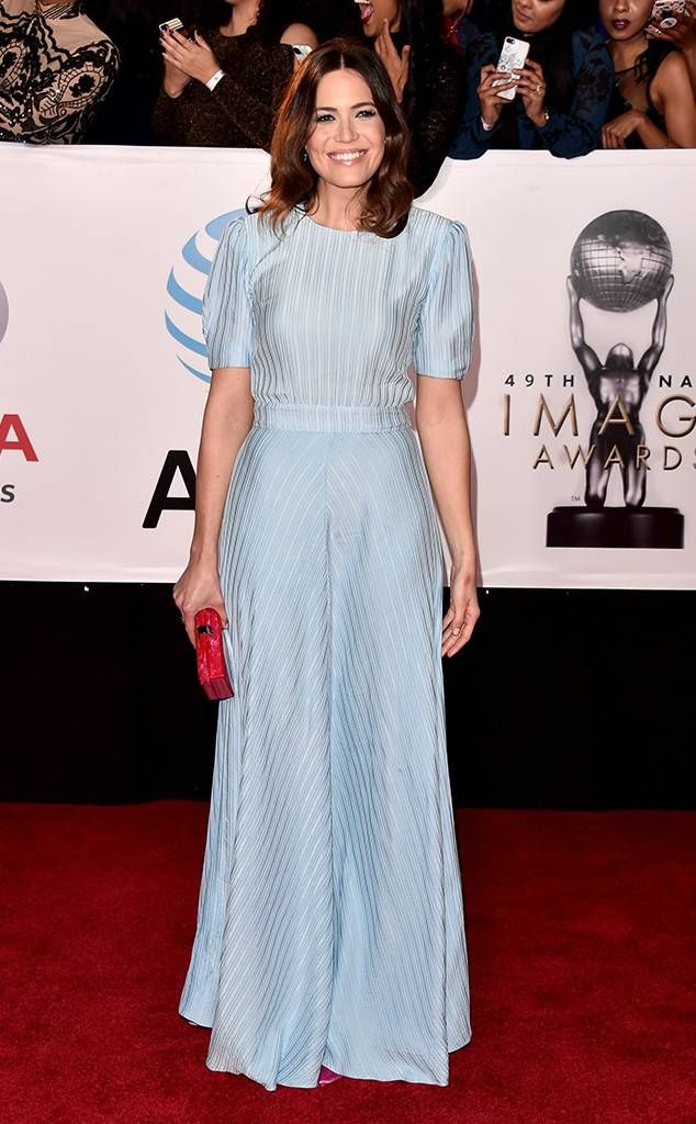 af7deb5f49077 <p>A yellow Romona Keveža dress has never looked better on the<em> Orange  Is the New Black</em> star who completed her look with jewelry from MARLI  New York ...