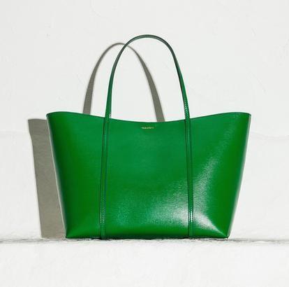 Οι νέες It bags του οίκου Dolce & Gabbana βουτούν στο χρώμα | μοδα , news & super trends | ELLE