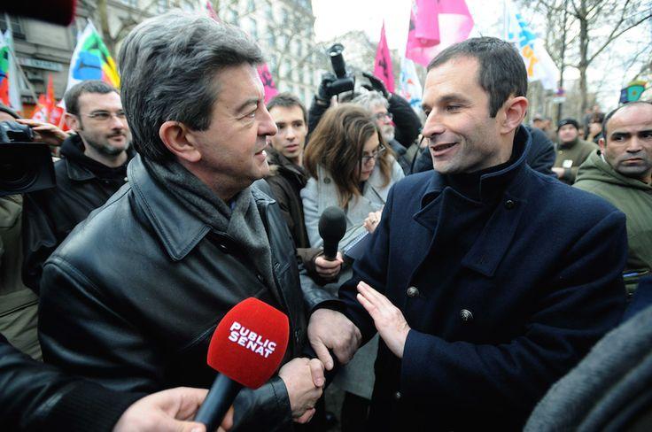 """La possible victoire de Benoît Hamon au second tour de la primaire socialiste ? Jean-Luc Mélenchon s'en frotte les mains ! C'est du moins le message que lui et son camp veulent faire passer. Selon leur analyse, le phénomène Hamon est la preuve que la """"la bataille culturelle"""" qu'ils mènent face au PS """"commence à porter ses fruits"""". Hamon vainqueur n'aurait alors que le choix de rejoindre Mélenchon ou d'assumer son """"pouvoir de nuisance""""et """"faire perdre la gauche""""..."""